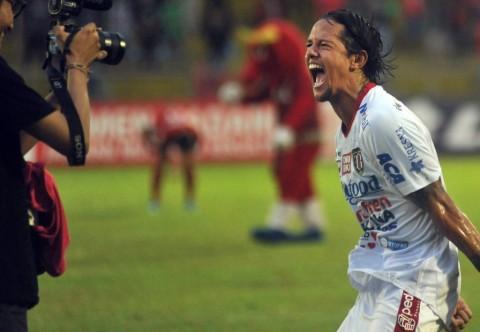 Salam Perpisahan Irfan Bachdim untuk Bali United