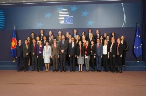 RI Ajak UE Tangani Korona Melalui Kerja Sama Holistik