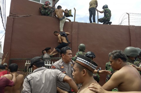 Kerusuhan di Rutan Kabanjahe, Ratusan Napi Dievakuasi