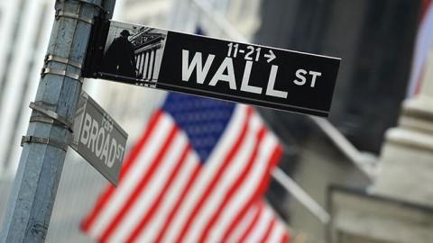 Wall Street Capai Rekor Lagi Usai Wabah Korona Menyusut