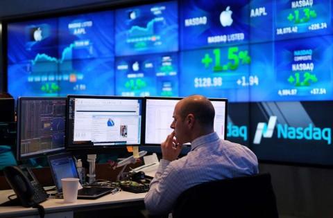 Wall Street Mundur dari Rekor Tertinggi