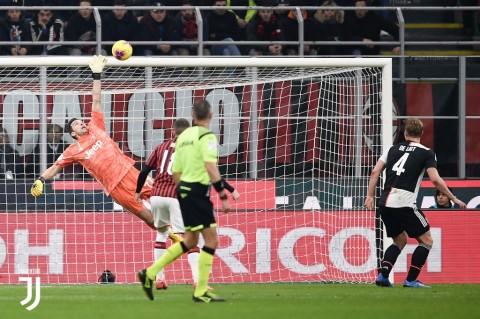Juventus Gagalkan Kemenangan Leg Pertama Milan