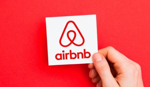 Berencana Lepas Saham, Airbnb Justru Merugi