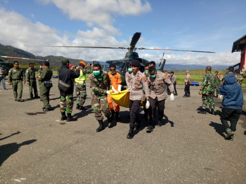 12 Jenazah Korban Helikopter MI-17 Dievakuasi