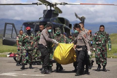 Proses Evakuasi 12 Jenazah Korban Heli MI-17
