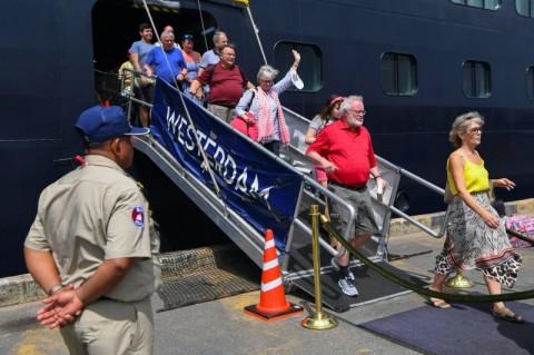 Warga AS di Kapal Pesiar Westerdam Positif Terjangkit Korona