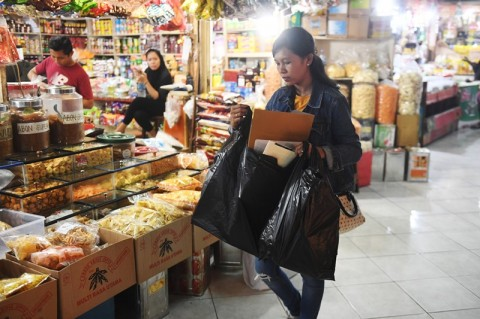 Pemkot Bekasi Larang Retail Gunakan Kantong Plastik Mulai Maret