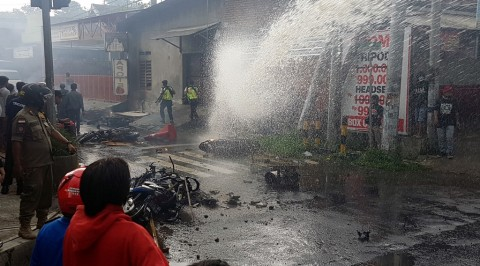 Polisi Kejar Pelaku Pembakaran Motor oleh Oknum Suporter