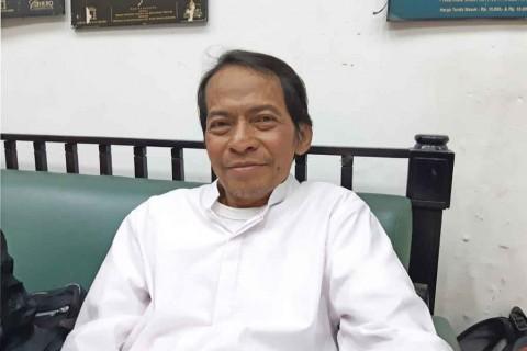 Radhar Panca Dahana Puji Spiritualitas Iwan Fals