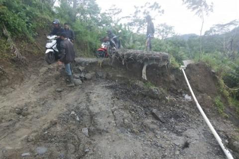 Warga Banjarnegara Diimbau Waspada Pergerakan Tanah