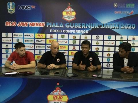 Kalah dari Persebaya, Pelatih Persija Salahkan Lokasi Laga