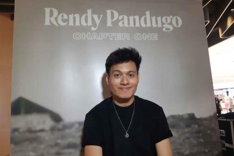 Rendy Pandugo Usung Konsep Flora di Video Musik Terbaru