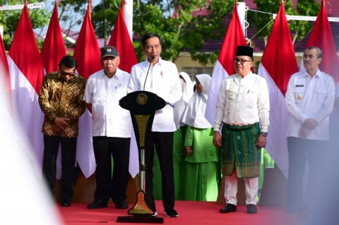 Jokowi Inaugurates Public Islamic Junior High School in Pekanbaru