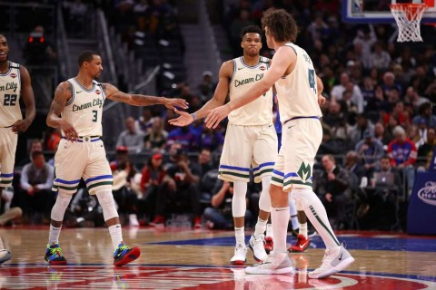 Milwaukee Bucks Bungkam Detroit Pistons