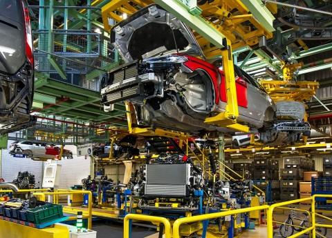 General Motors Kendor di Australia, Ford Langsung Agresif