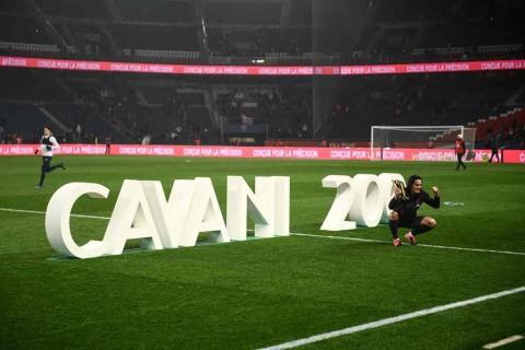 Cavani Cetak Gol ke-200 saat PSG Taklukkan Bordeaux