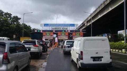 Gerbang Tol Cempaka Putih Beroperasi Normal