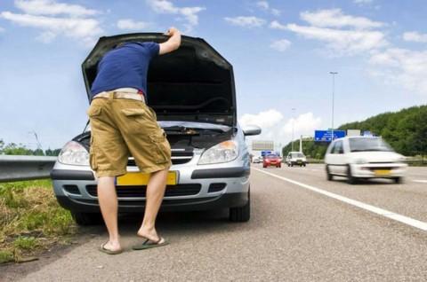 Trik Aman Berhenti Darurat di Bahu Jalan Tol