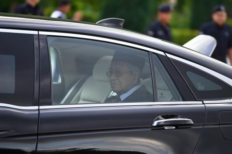 Temui Sultan, Mahathir Dilantik jadi PM Malaysia Sementara