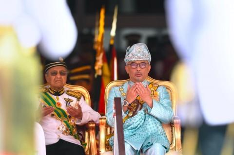 Cari PM Baru, Raja Malaysia Wawancara Anggota Parlemen