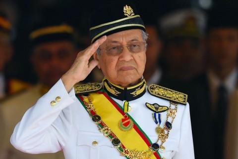 Mahathir Memegang Kendali Calon Penggantinya