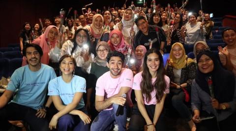 Reza Rahadian Beri Kejutan untuk Penonton Toko Barang Mantan