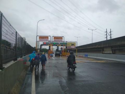 Pemotor Diimbau Tak Masuk Tol Hindari Banjir