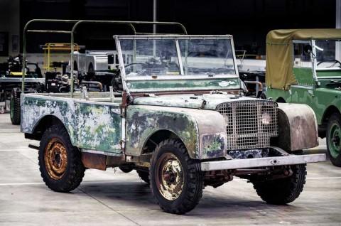 Land Rover Restorasi Pra Produksi Model Klasik