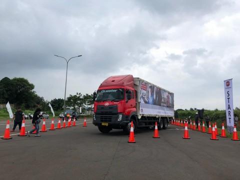 Empat Item Penting Ukur Skill Berkendara Pengemudi Truk ala UD Trucks