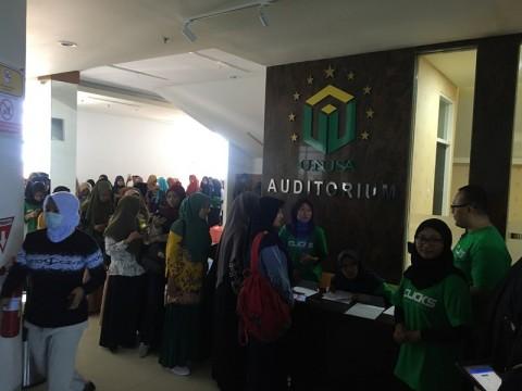 Antusias Mahasiswa Hadiri Launching Clicks.id di Surabaya
