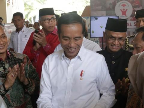 Cerita Jokowi Ditawari Obat Penggemuk Badan di Instagram