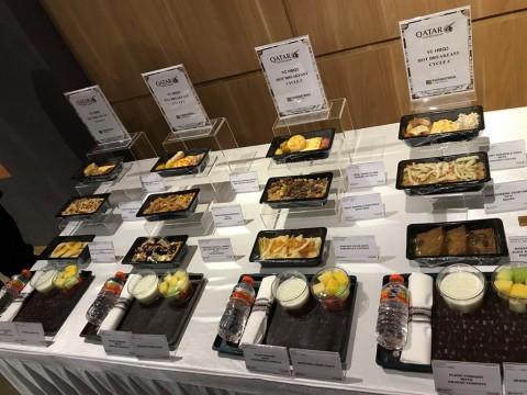 Menikmati Hidangan Mewah dalam Penerbangan Kelas Ekonomi