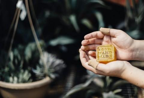 Baik atau Buruk, Sabun Mandi yang Bikin Kulit Kesat