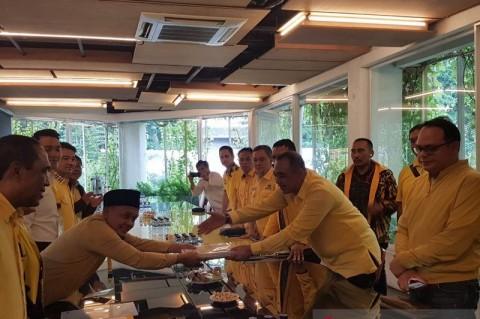 Bupati Tangerang Daftar Calon Ketua DPD Golkar DKI