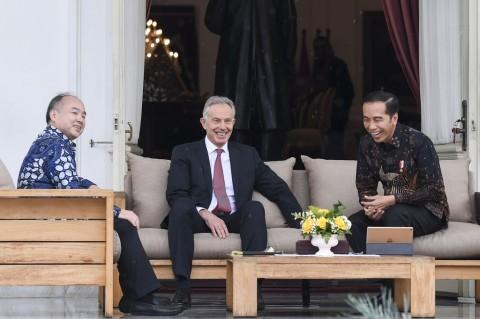 Jokowi Bahas Ibu Kota Baru Bersama Tony Blair dan Masayoshi Son