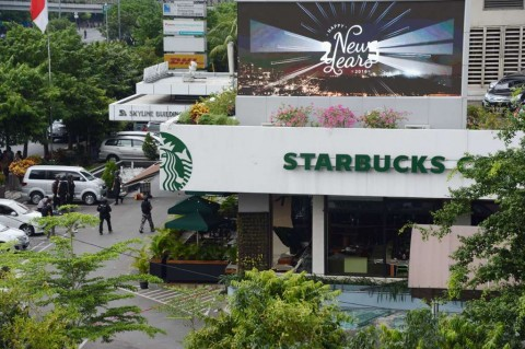 Luhut Sebut Starbucks Minat Investasi Hijau di Papua