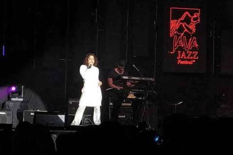 Kiana Ledé dalam Malam Minggu Java Jazz 2020
