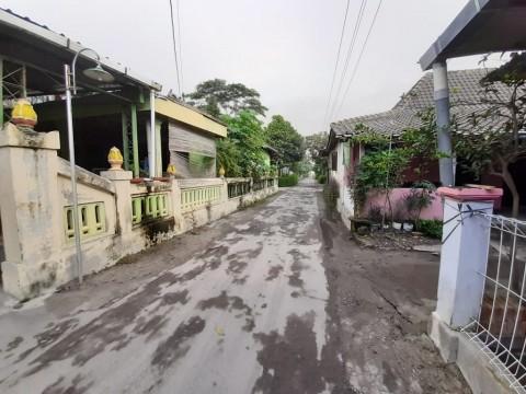 Hujan Abu Erupsi Merapi Hingga Perbatasan Boyolali-Sukoharjo