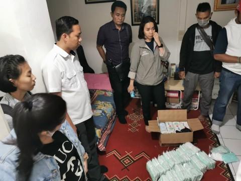 3 Tempat Penyimpanan Masker Ilegal di Jakarta Digerebek