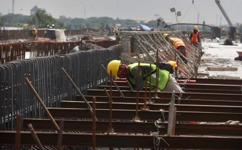 100 Pekerja Konstruksi Diberikan Sertifikat