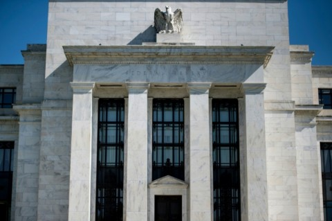 Fed Sebut Korona Berpotensi 'Gerogoti' Ekonomi AS