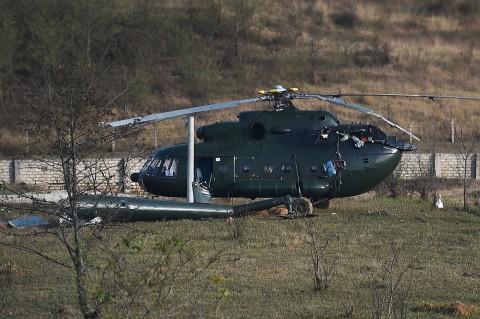 Helikopter Militer Myanmar Jatuh, 2 Pilot Terluka