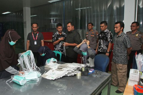 Polda Banten Razia Pabrik Masker Ilegal