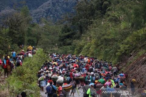 KKB Paksa Ratusan Warga Kimbeli Tembagapura Tinggalkan Kampung