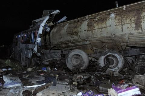 32 Orang Tewas dalam Kecelakaan Truk Tangki di Suriah