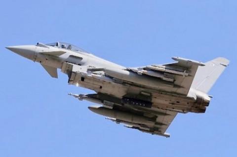 Enam Jet Tempur Inggris Halau Pesawat Rusia