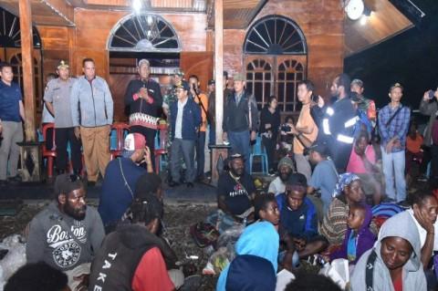 Kapolda Papua Pantau Ratusan Pengungsi di Timika