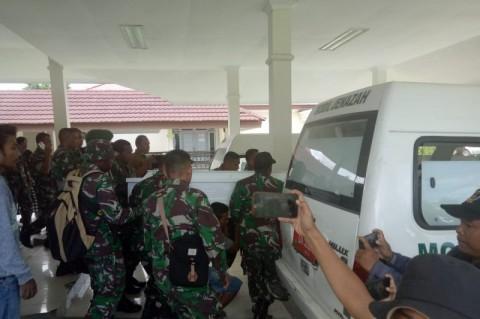 Prajurit TNI Tertembak KKB Dimakamkan di Baubau