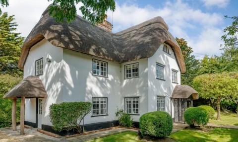 Burton Cottage, Rumah yang Terinspirasi Dongeng