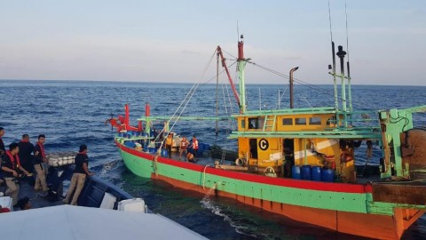 KKP Kembali Tangkap Dua Maling Ikan di Selat Malaka